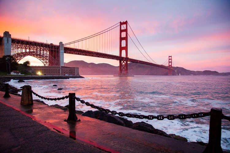 golden gate bridge best place to visit in fall San francisco