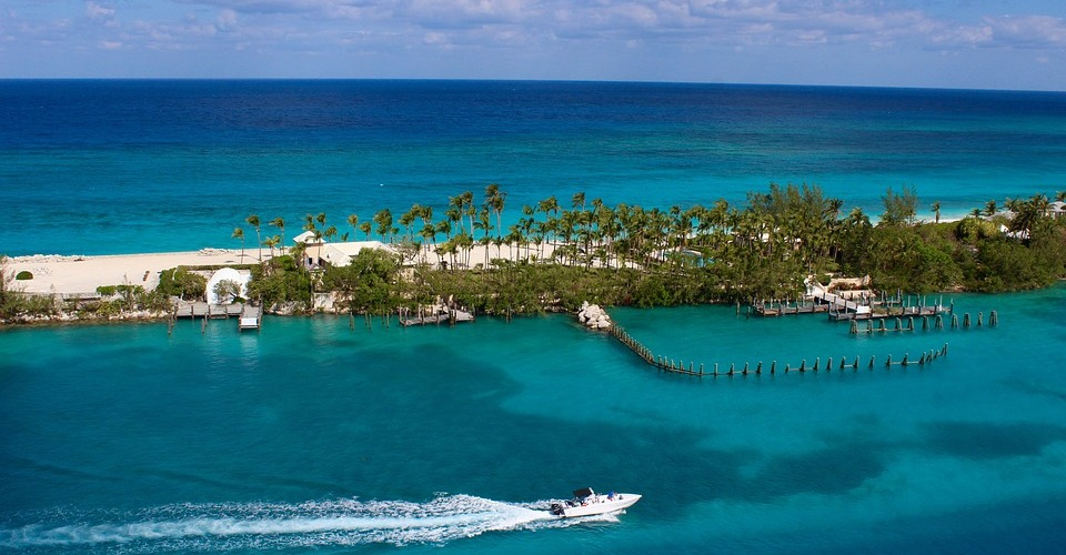 carnival cruise. disney cruise. what to pack for a 4 day cruise. what to pack for cruise to bahamas. nassau bahamas. cruise packing list. carnival liberty. disney dream. cruise port. what to do in the bahamas. from diam with love