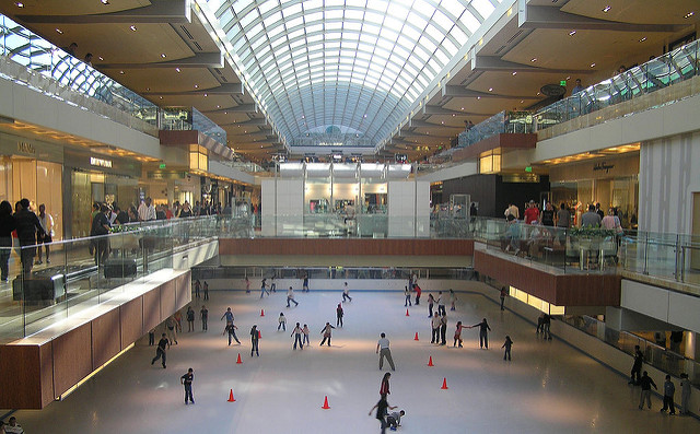 ice skating at houston galleria mall. shopping at houston galleria mall. stores at houston galleria mall. things to do in houston texas. houston astros world series 2017